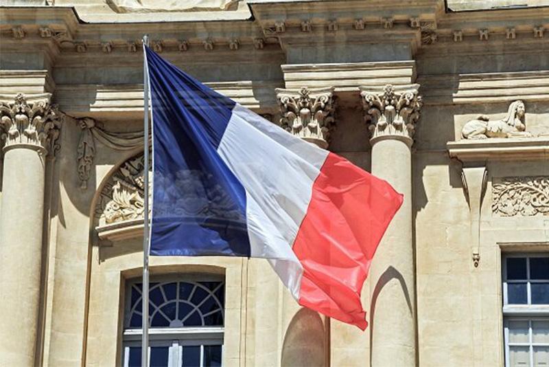 پرچم سهرنگ فرانسه که در انقلاب فرانسه به تصویب رسید،
